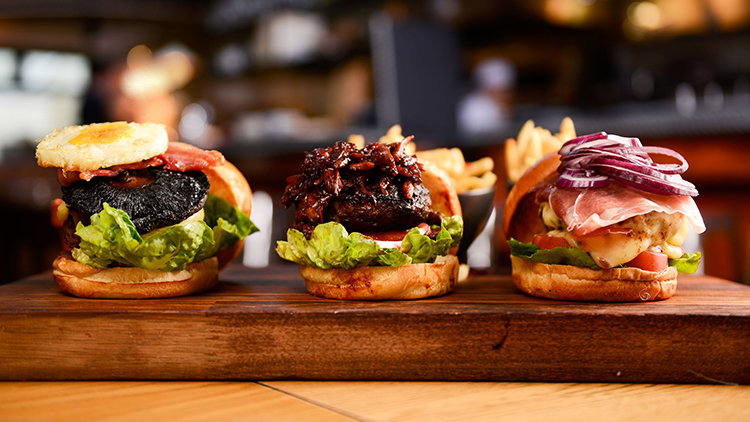 Dubai's Delectable And Beautiful Burgers