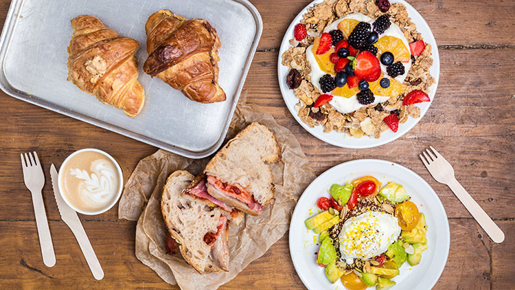 5 Amazing Dubai Breakfasts to Enjoy in Bed
